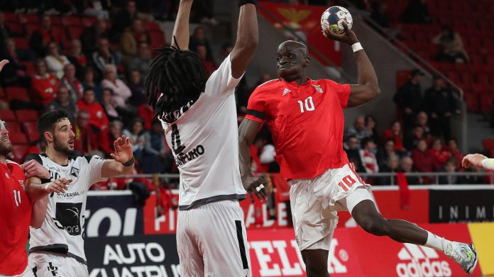 Andebol1: Benfica recebeu e venceu Avanca por 38-22
