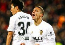 Valência nas meias finais da Copa del Rey com 2 golos nos descontos