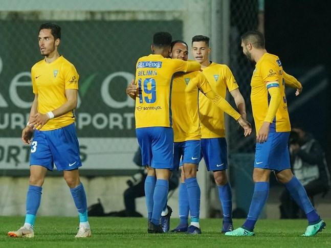 Estoril Praia vence (1-0) e afasta Académica da luta pela subida
