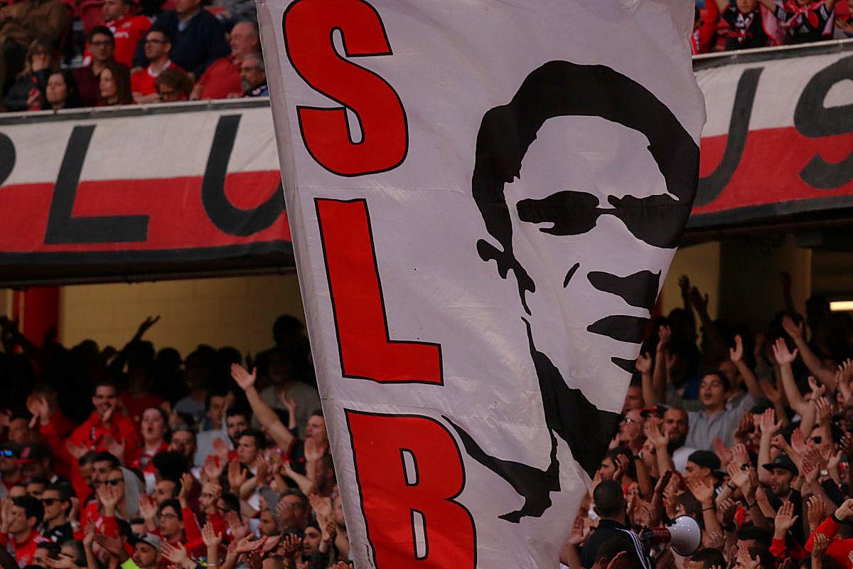 Benfica qualifica apedrejamento do autocarro como acto criminioso