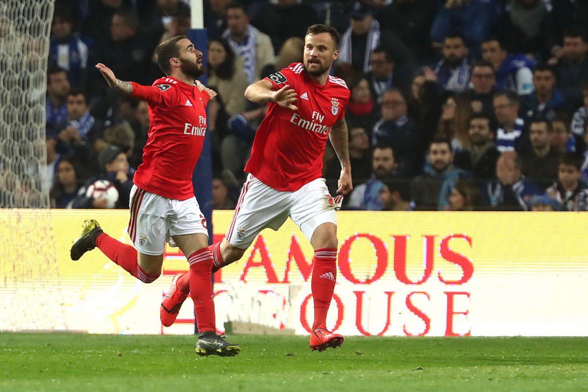 Resultado de imagem para SL Benfica