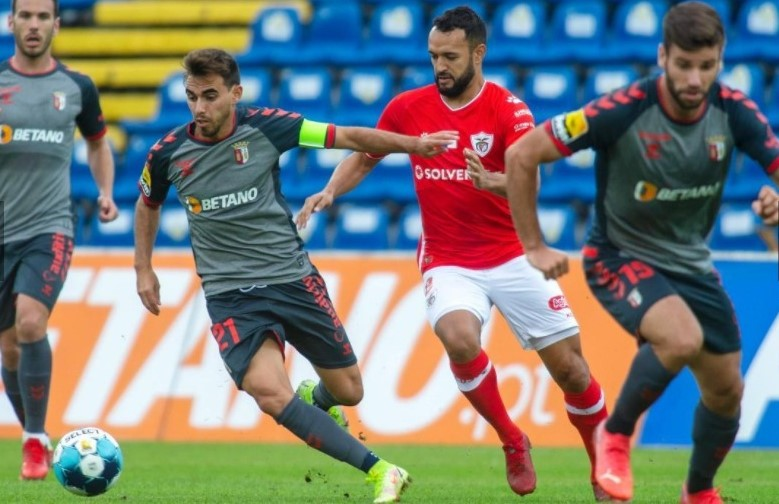 Santa Clara empata com o SC Braga (1-1) com golo no final do jogo