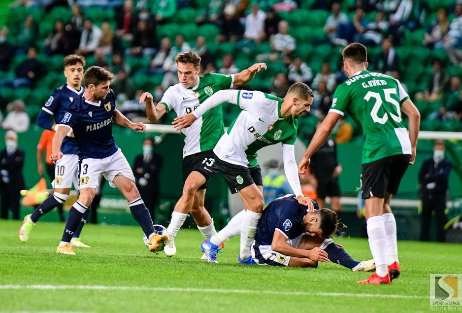 Sporting vence Famalicão (2-1) e está a um empate da Final Four da Taça da Liga